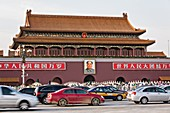 Tian´an Men gate or the Gate of Heavenly Peace with traffic in Beijing, China