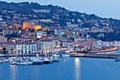 Hafen im Abendlicht, Porto San Stefano, Hafenstadt, Monte Argentario, Mittelmeer, Provinz Grosseto, Toskana, Italien, Europa