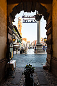 Blick auf Piazza delle Erbe, Verona, Venetien, Italien