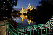 New Town Hall at night with reflection, Neues Rathaus, Maschteich, Maschpark, Hannover, Lower Saxony, Germany