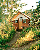 USA, Alaska, cabin at Camp Denali, Denali National Park