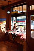 USA, California, Sonoma, Les Petit Maisons guest cottages and Market