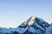 Nordwand des Ranrapalca im Sonnenaufgang, Urus, Pashpa, Ishinca Tal, Huaraz, Ancash, Cordillera Blanca, Peru