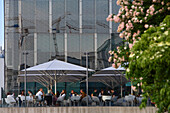 Cafe and facade of the Lentos Art Museum for modern and contemporary art, Linz, Upper Austria, Austria
