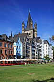 D-Cologne, Rhine, Rhineland, North Rhine-Westphalia, NRW, old city, Martin quarter, row of houses, residential buildings, Rhine bank, Romanesque Great St Martin church, catholic church, basilica