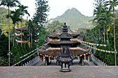 Asia, South East Asia, Vietnam, the Perfume Pagoda or Perfume temple, a vast complex of Buddhist temple in North Vietnam
