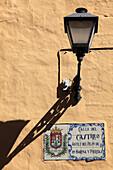 Spain, Canary Islands, Gran Canaria, Las Palmas, Vegueta, street sign, lamp