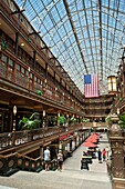 HISTORIC VICTORIAN SHOPPING ARCADE HYATT REGENCY HOTEL DOWNTOWN CLEVELAND OHIO USA