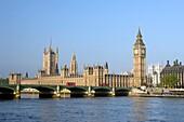 HOUSES OF PARLIAMENT WESTMINSTER BRIDGE RIVER THAMES LONDON ENGLAND UK