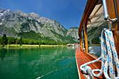Boat crossing lake Koenigssee towards St. Bartholomae, St. Bartholomae, lake Koenigssee, Berchtesgaden range, National Park Berchtesgaden, Berchtesgaden, Upper Bavaria, Bavaria, Germany