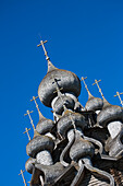Domes of the wooden Church of the Transfiguration at Kizhi Pogost, Kizhi Island, Lake Onega, Russia, Europe