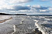 Baltic sea beach between Goehren und Sellin, Seaside Resort Goehren in Winter, Island of Ruegen, Mecklenburg-Western Pomerania, Germany