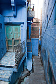 Typical alley of the ancient part of the so called blue city, Jodhpur, Rajasthan, India
