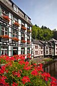Half-timbered houses along the Rur, Monschau, Eifelsteig hiking trail, Eifel, North Rhine-Westphalia, Germany