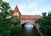 Chained footbridge over the river Pegnitz, Nuremberg, Middle Franconia, Bavaria, Germany