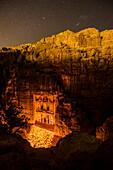 Khazne al-Firaun im Kerzenlicht, Petra, Jordanien, Naher Osten