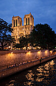 Notre Dame in the evening, Paris, France, Europe