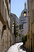Alley with view of the Sacre-Coeur, Paris, France, Europe
