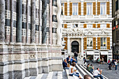 Stairs to cathedral of Saint Lawrence, Genoa, Liguria, Italia