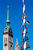 Steeples of the St. Peter's church and the city hall, May pole at Viktualienmarkt, Munich, Upper Bavaria, Bavaria, Germany
