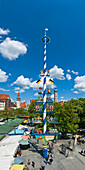 Maypole on Viktualienmarkt, Munich, Upper Bavaria, Bavaria, Germany