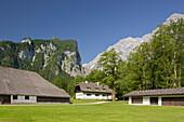 Farmhouse in St. Bartholomae, Lake Koenigssee, Watzmann in the background, Berchtesgaden National Park, Berchtesgadener Land, Bavaria, Germany