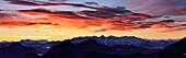 Berchtesgadener Alpen, Loferer Steinberge, Leoganger Steinberge, Kaisergebirge und Tauern im Abendrot, Farrenpoint, Mangfallgebirge, Bayerische Voralpen, Oberbayern, Bayern, Deutschland