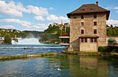 Schloß Wörth mit Rheinfall von Schaffhausen und Schloß Laufen, Kanton Schaffhausen, Schweiz, Europa