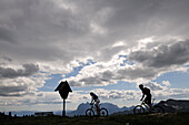 Mountain bikers, Eggenalm, Reit im Winkl, Chiemgau, Bavaria, Germany