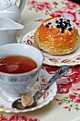Bath bun, Bath Bun Tea Shoppe, Abbey Green, Bath, Somerset, England, Grossbritannien