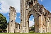 Ruinen der Glastonbury Abbey, Glastonbury, Somerset, England, Grossbritannien