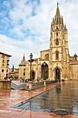 Cathedral, Plaza Alfonso II El Casto, Oviedo, Asturias, Spain.
