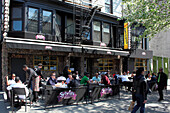 Sylvia's restaurant on Lenox Avenue (Malcolm X Boulevard) at West 127th street, Harlem, Manhattan, New York City, USA