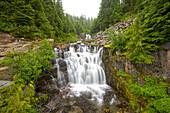 Sunbeam Falls, Mount Rainier National Park, Washington, Usa
