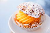 Süßspeise im Cafe Sicilia, Noto, Syrakus, Sizilien, Italien