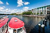 Excursion boats on lake Binnenalster, terrace Jungfernstieg, Hamburg, Germany