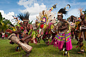 Tribespeople during a traditional dance and cultural performance, Kopar, East Sepik Province, Papua New Guinea, South Pacific