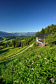 Hut Spitzsteinhaus, Kaiser Mountain Range and Zillertal Alps in background, Erl, Chiemgau Alps, Tyrol, Austria