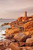 Lighthouse of Meen Ruz, Ploumanach, Cote de Granit Rose, Cotes d'Armor, Brittany, France, Europe