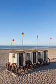 Beach huts on the beach, Nordstrand beach, Norderney, Ostfriesland, Lower Saxony, Germany