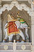 India, Rajasthan, Ghanerao village, Jain temple.