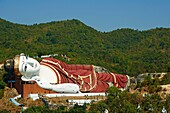 Myanmar (Burma), Mon state, around Mawlamyine (Moulmein), Win Sein Taw Ya, sleeping Buddha.