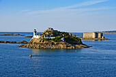 France, Briitany, Finistere, light house on Louet island and Taureau castle.
