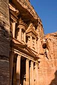The Treasury, El-Khazneh, Petra, UNESCO Heritage Site, Jordan, Middle East.