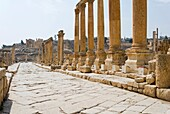 The Cardo, Colonnaded Street, Jerash, Gerasa Roman city, Jordan, Middle East.