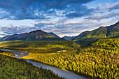 Matanuska River, Matanuska Valley along the Glenn Highway, Southcentral Alaska.
