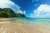 'Turquoise ocean water off Tunnels beach; Kauai, Hawaii, United States of America'