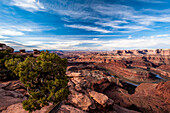 Early morning sunrise at Deadhorse Point overlook at Deadhorse State Park, UT