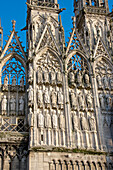 Stone statues of prophets, apostles, and archbishops, central doorway, western facade, on exterior of Cathedral Notre Dame dating from the 12th century, Rouen, Upper Normandy, France, Europe