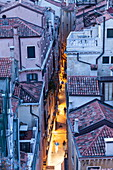 The narrow streets of Venice, UNESCO World Heritage Site, Veneto, Italy, Europe